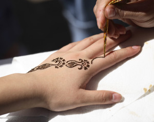 application-of-henna-in-proccess